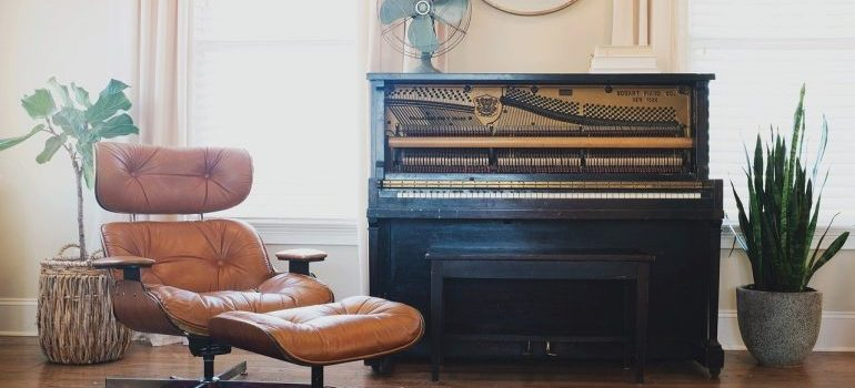 An old piano in an apartment