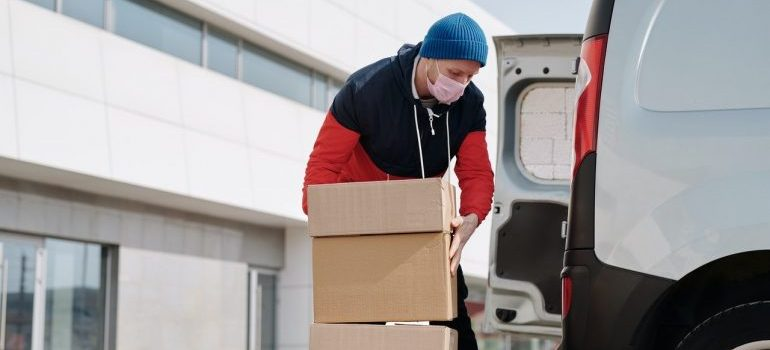 a diligent professional mover from moving services MD