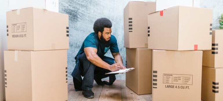A man working with interantiona movers Washington DC