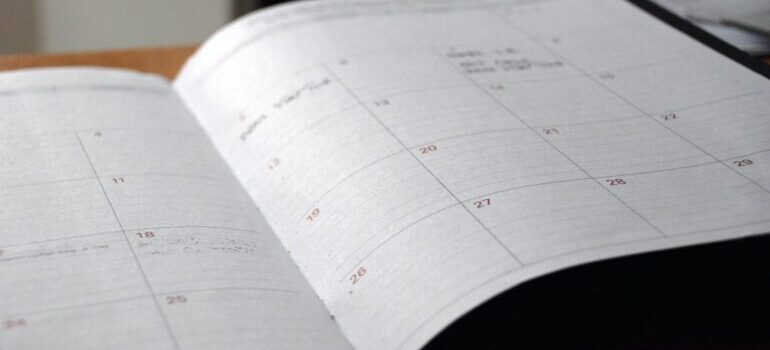 Choosing the moving date early on is one of the key steps for planning the interstate move from VA to MD